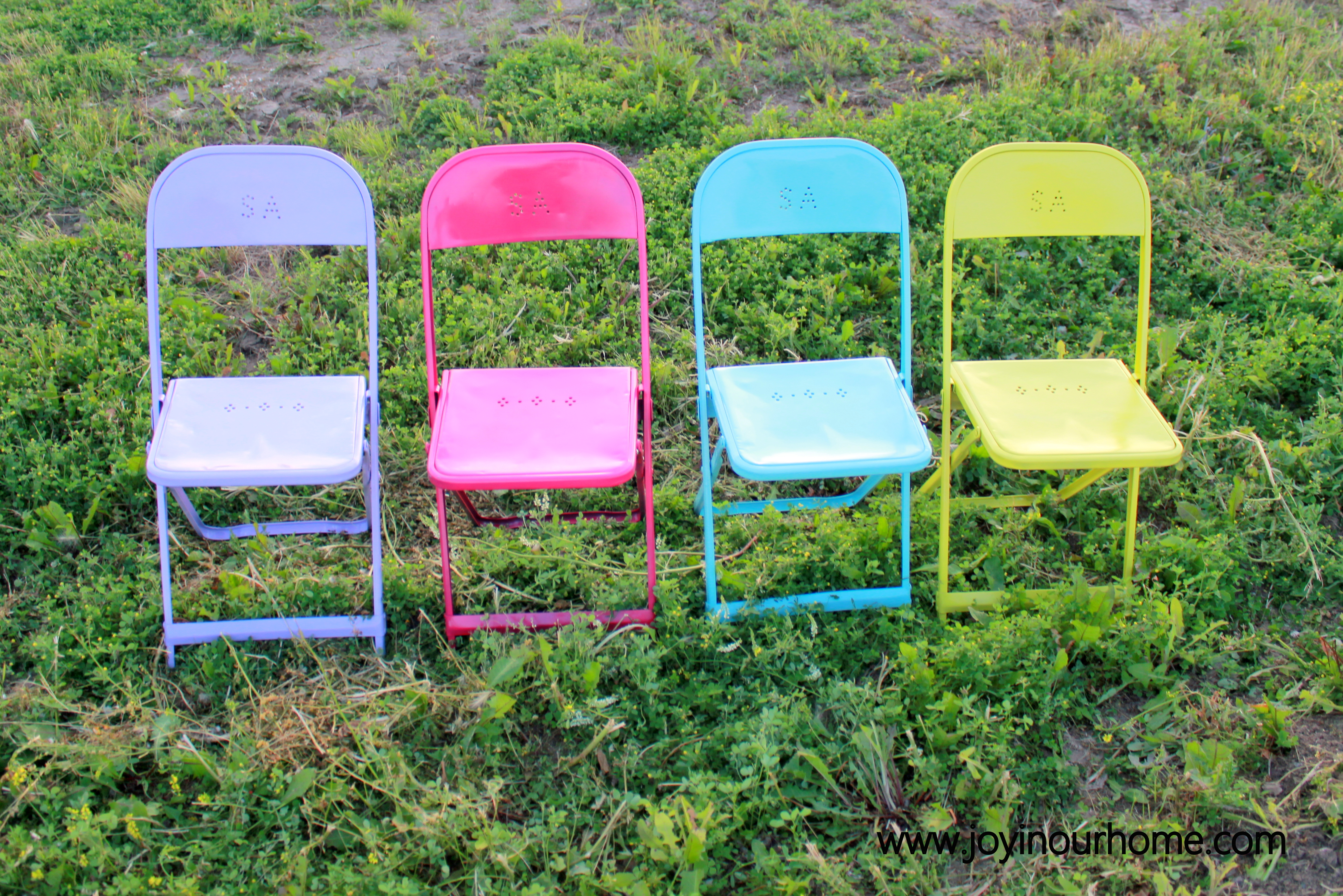 Fun & Colorful Metal Chair Makeover