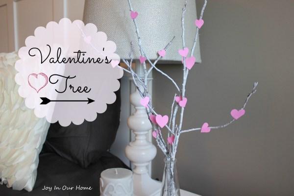 Valentine's Tree at www.joyinourhome.com   Fun & Easy DIY Valentine's Decor