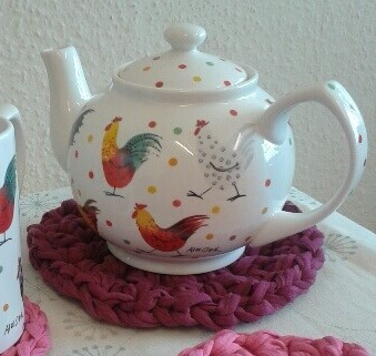 Easy peasy teapot stand and coasters