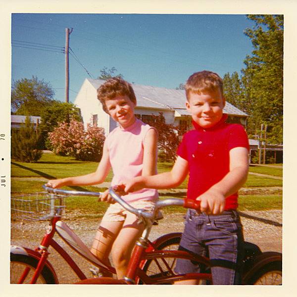 photo of Joy and Dale on bikes