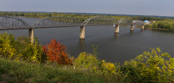 photo of Champ Clark Bridge, Louisiana, Missouri