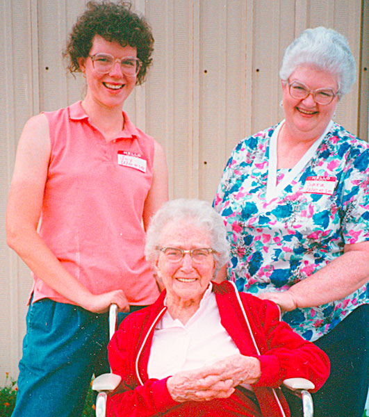 photo of Joy, Bertha Hoover, and Sara Weese