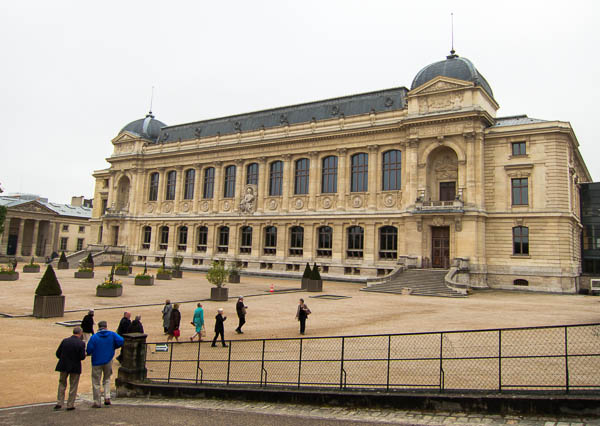 photo of The Great Gallery of Evolution in the Jardin des Plantes, Paris