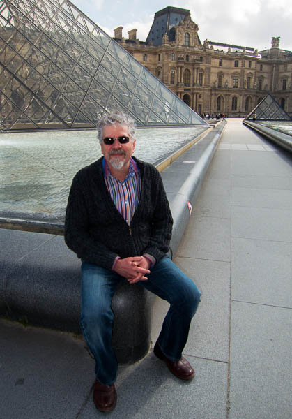 photo of Rick at the Louvre