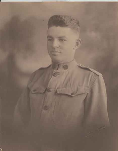 photo of man in World War I uniform