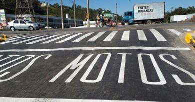 Várzea sinaliza espaço de motos