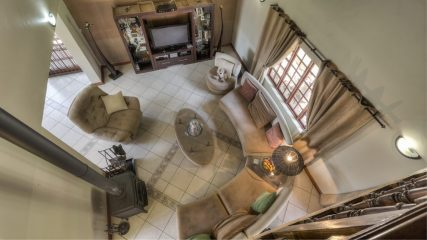 real estate photography, Professional Real Estate Photographer capturing the mood of the home