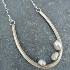 collier Illusion en argent 925 avec 3 perles de Keshi blanches