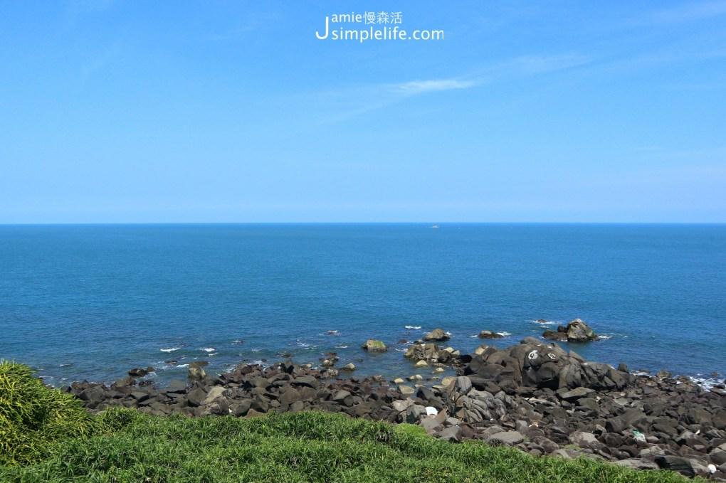 台灣極北富貴角燈塔 海景風稜石