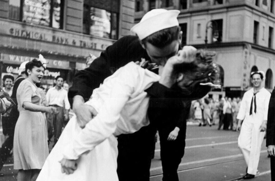 Jewish Woman In Iconic World War II Times Square Kiss