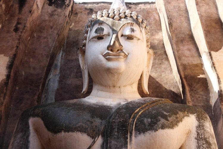 Bouddha géant au temple Wat Si Chum