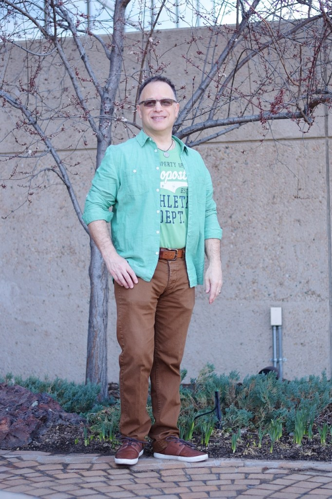 Wearing Stylish Color Combinations for Men