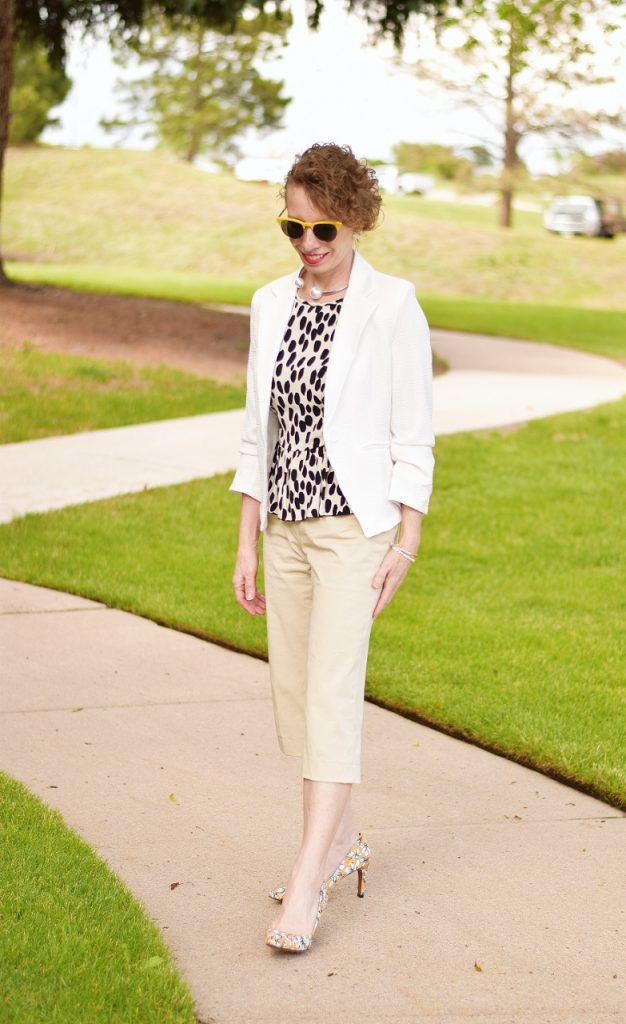 50+ Women with Capri Outfits