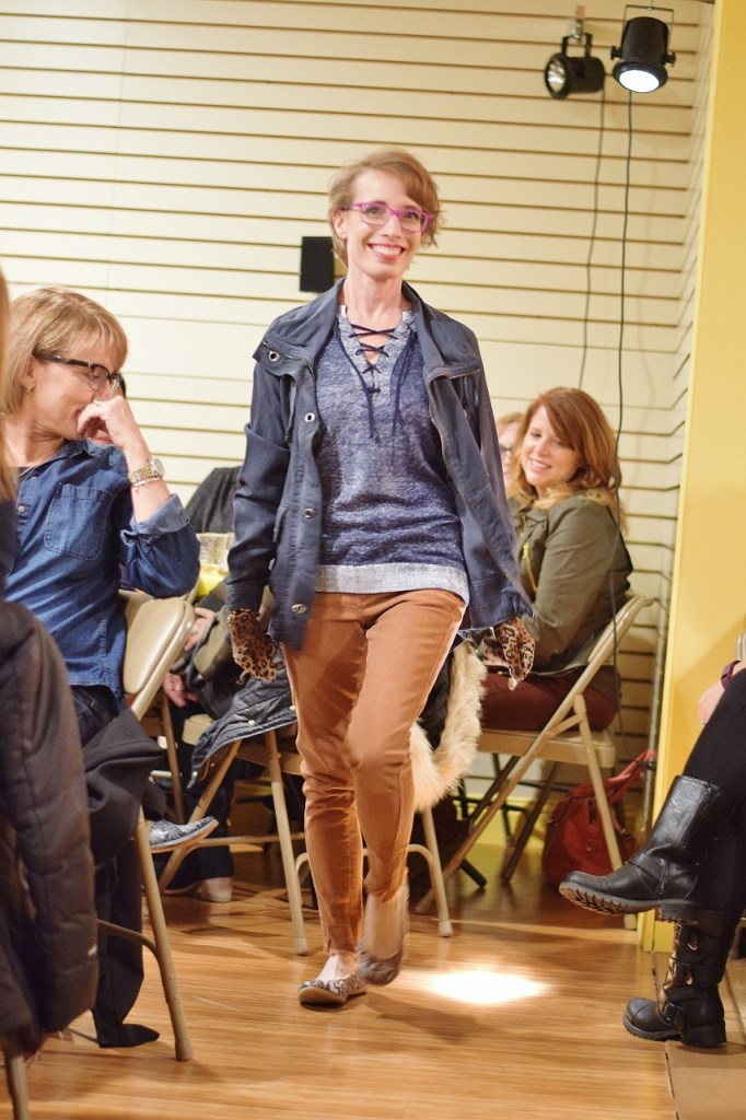 Fall fashion with lace up for older women