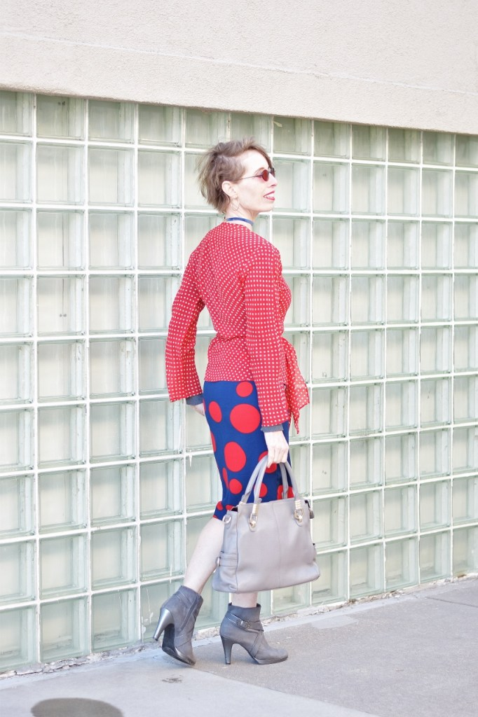 How to style an outfit with Your colors for a spring season complexion