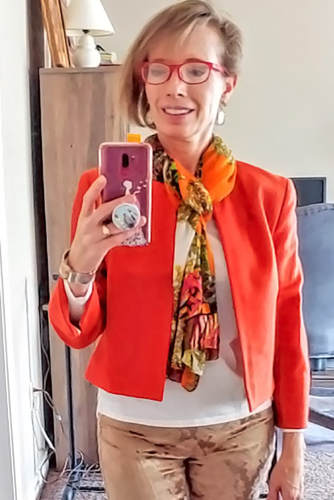 How to style a scarf for the summer with orange