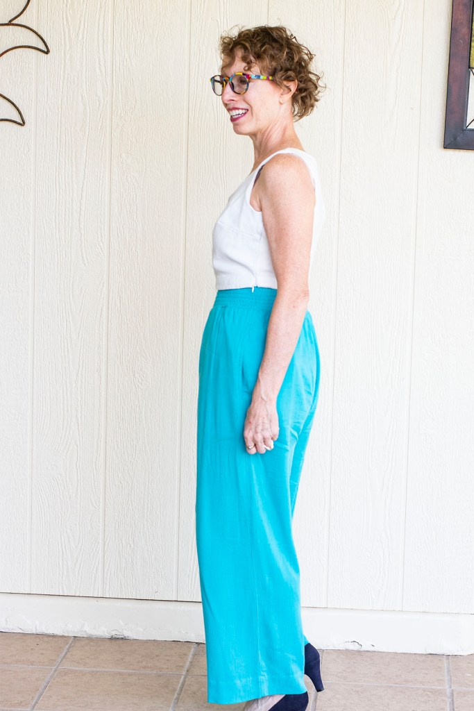 Cropped top for wide leg pants for curvy