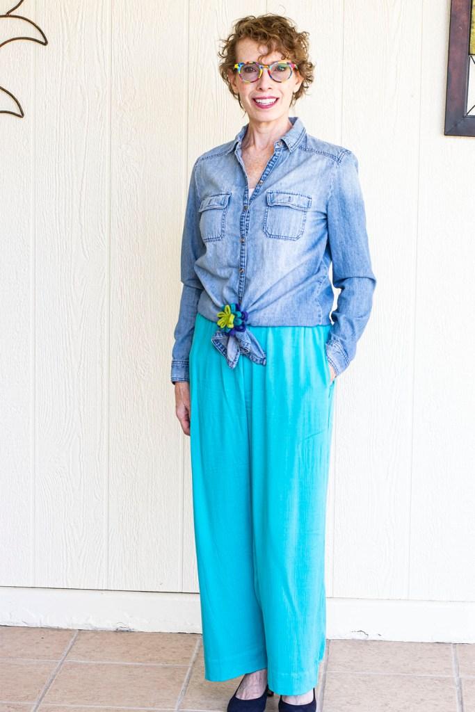 Styling wide leg pants for curvy women