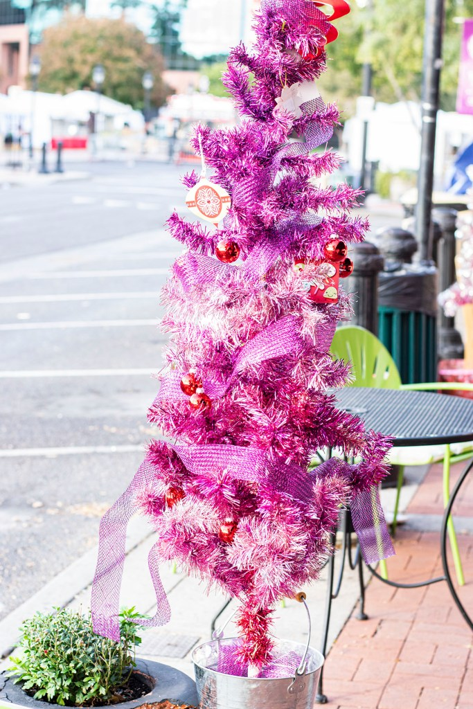 Pink holiday tree in Glendale