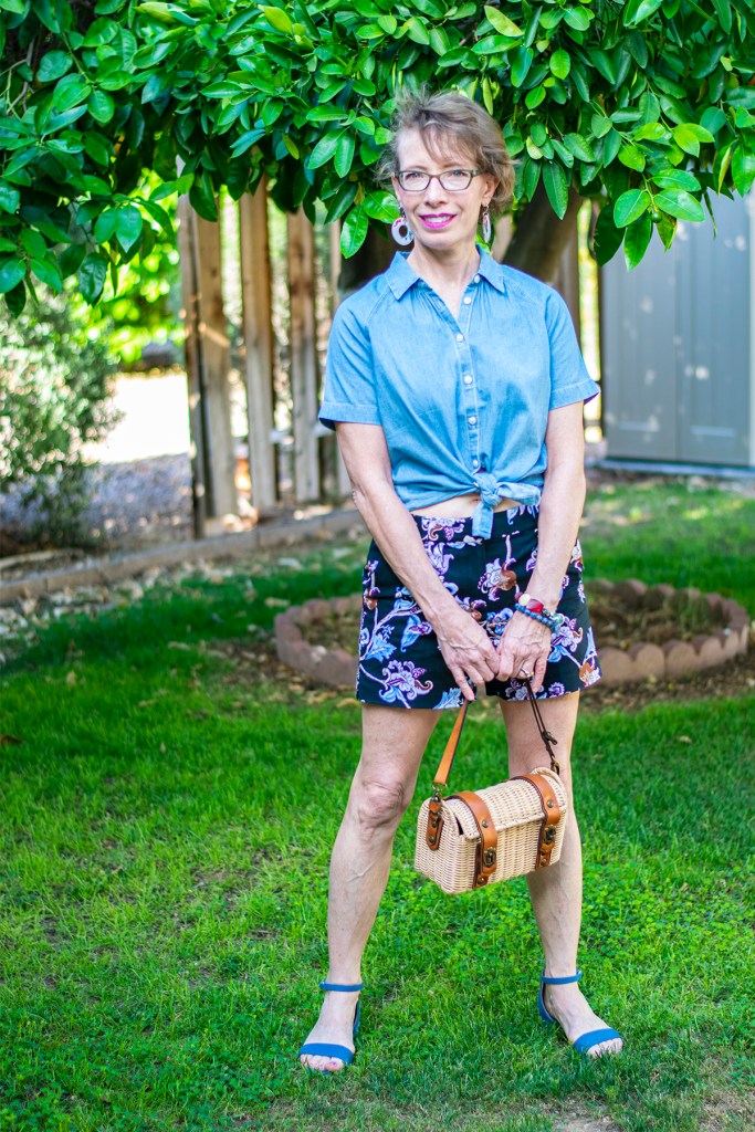 What to wear with floral shorts and chambray