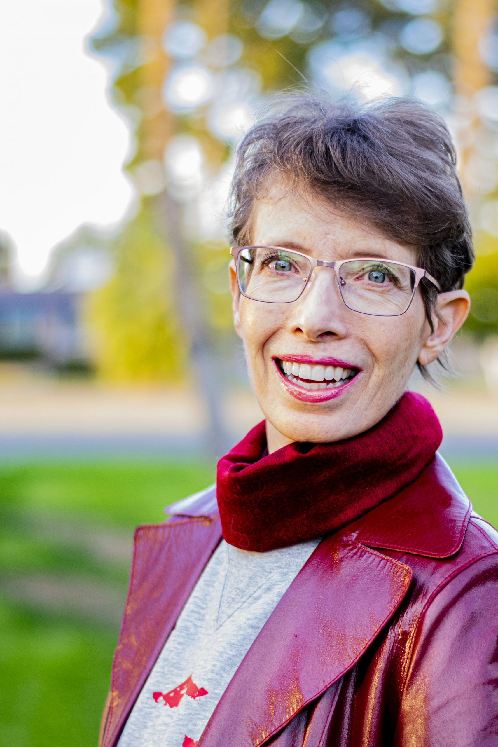 How to Pick the Right Glasses Frame for Your Face and Tips for Online Glasses