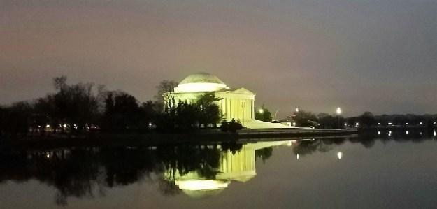 Pre-Dawn Jefferson Memorial 01172017