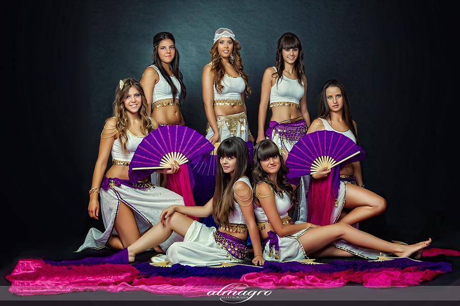 Integrantes del grupo de Danza Arabe Dirigido por Laura Marchal durante las fiestas Realengas de Valdepeñas de Jaén