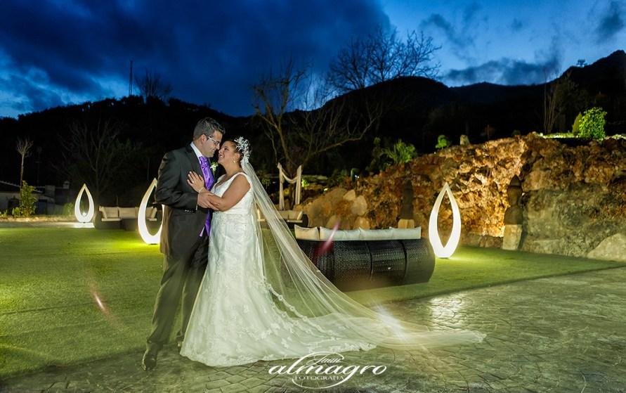preciosas Fotografias de Boda realizada por Juan Almagro Fotografos para Ursula Y Juan Enrique en Complejo Ortega