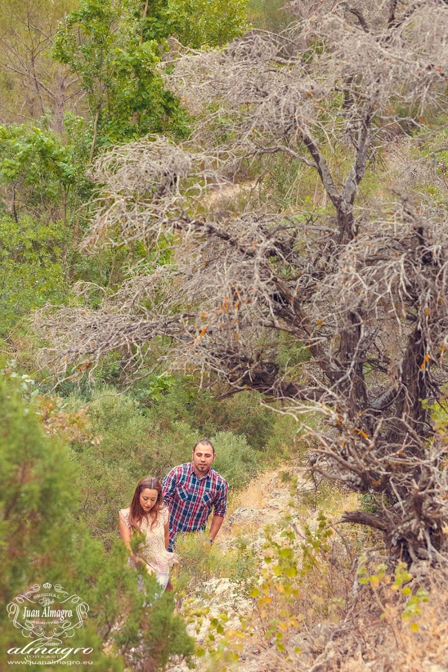fotos del libro de firmas para la boda ruta de senderismo de las colas del Pantano de Valdepeñas de Jaen