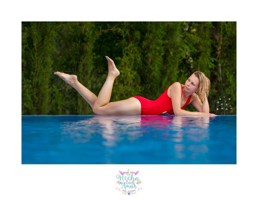 yulia-banador-piscina-sexy-girl-rojo-juan-almagro-fotografos-11