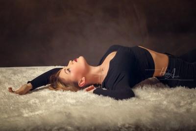 Noelia_sesion-fotos-estudio-elegantes-juan-almagro-fotografos-19