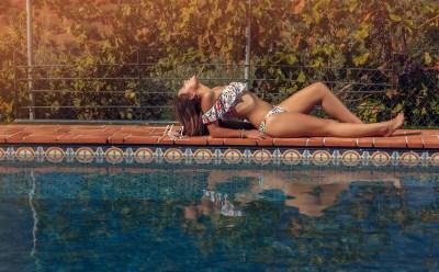Rocio-hecho-con-amor-juan-almagro-fotografos-jaen-exteriores-piscina-17