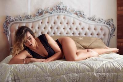 Ana_Milla-Boudoir-2-Lenceria_Hecho-con-amor_Juan-Almagro-fotografos_Jaen