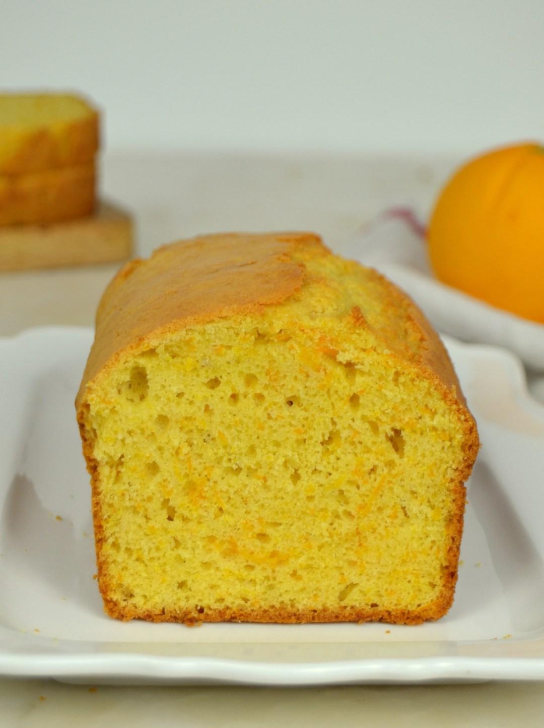 Bizcocho de naranja y zanahoria jugoso