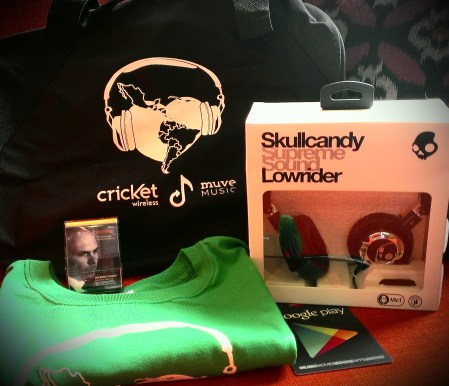 12 Days of Christmas: Day 11 – Música & Cricket Swag!