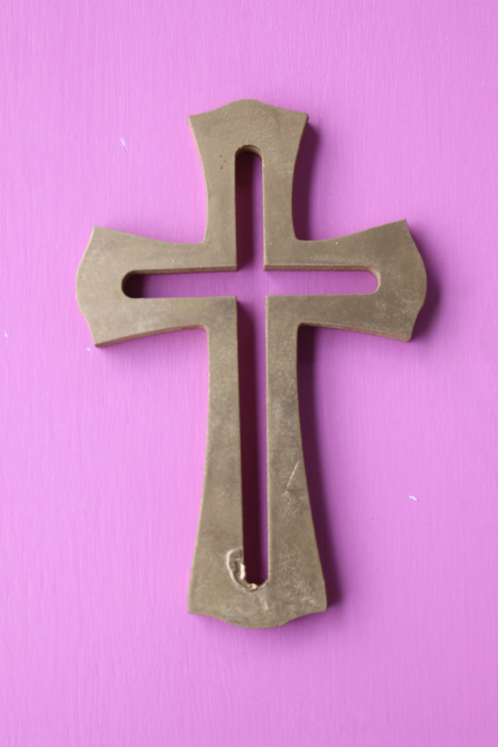 Las cruces de madera (crosses)