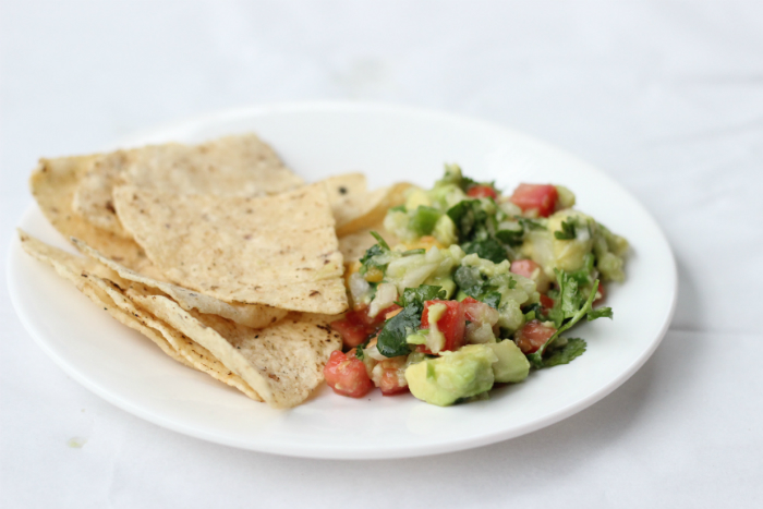 Easy Nutritious Avocado Pico de Gallo Recipe - #VidaAguacate