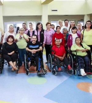 Entregan Aparatos Funcionales a Personas con Discapacidad