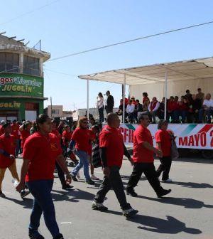 Celebran Desfile Por Día del Trabajo