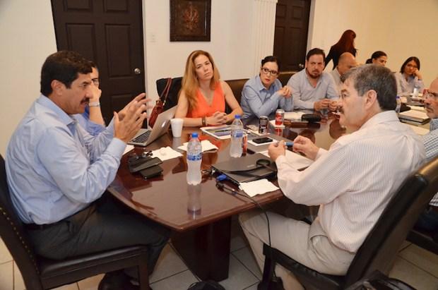 Javier Corral Junta con Equipo de Transicion