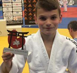 1x goud, 2x zilver en 6x brons judoka's Akkermans in Stiens.