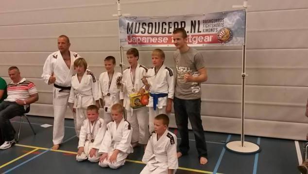 Judo Vianen scoort op ne-waza toernooi