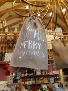 Hessian sacks idea for Prosecco or Gin gifts