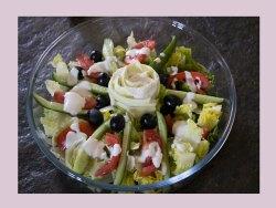 ensalada-con-salsa-de-yogur-griego