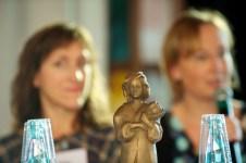 Die Momo– Statue für die Preisträger // Foto: Ulf Cronenberg, Würzburg