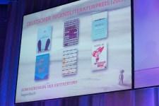 Die nominierten Bücher in der Sparte Jugendbuch || © Foto: Ulf Cronenberg
