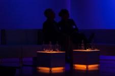 Claude K. Dubois und Übersetzer Tobias Scheffel auf dem Sofa || Foto: © Ulf Cronenberg