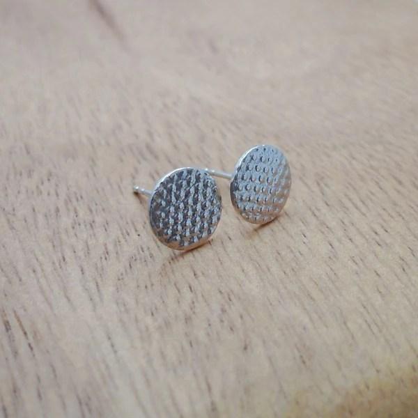 壓紋耳環/圓點款