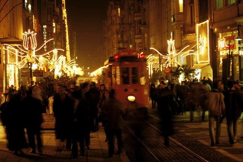 Beyoglu @night Pic: Huffington Post