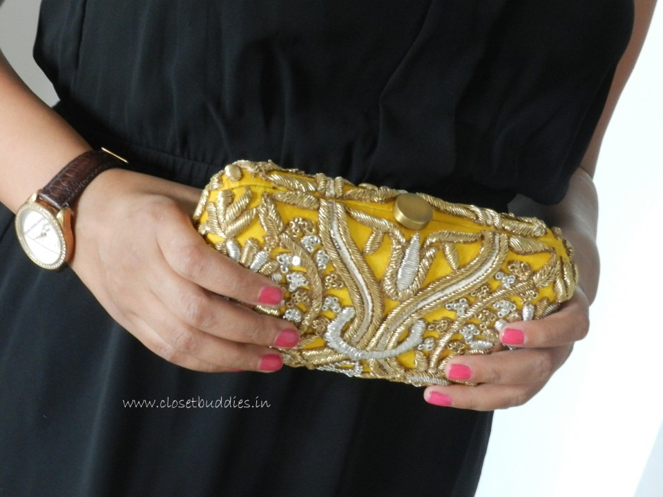 The pretty clutch at a closer look (Buy)